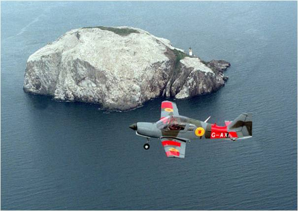 Name:  Bulldog over Bass Rock.jpg